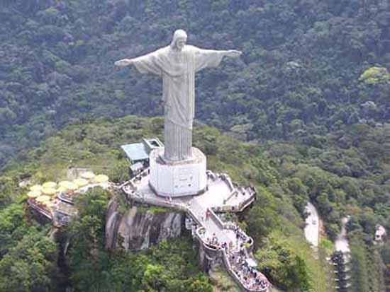 brazil-christ-the-redeemer-statue-1