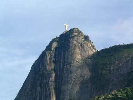 brazil-christ-the-redeemer-statue-2