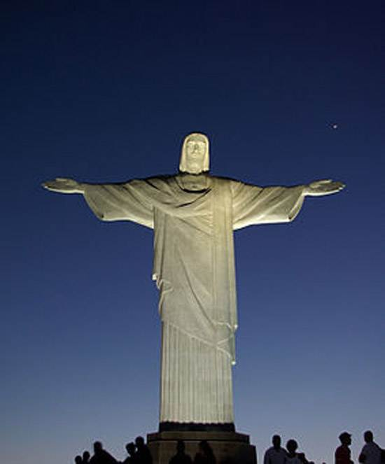brazil-christ-the-redeemer-statue-8