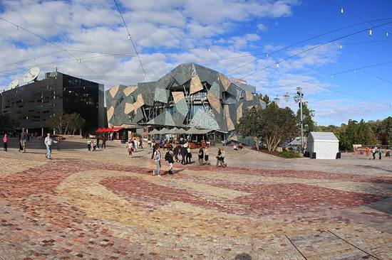 city-of-melbourne-the-city-of-gold-australia-fed_square