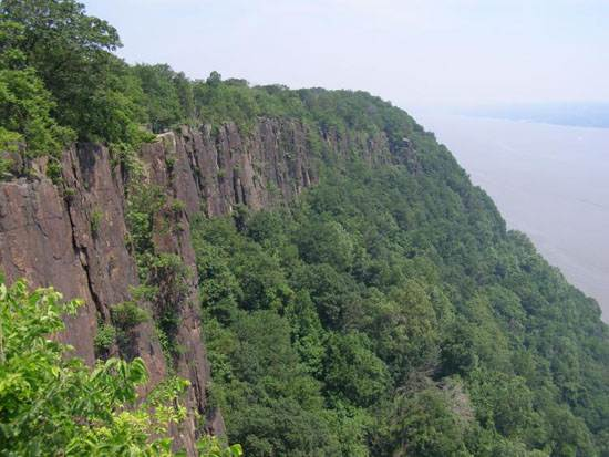 palisades_sill_from_palisades_parkway