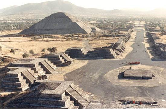 teotihuacan-pyramid-place-of-the-gods-1