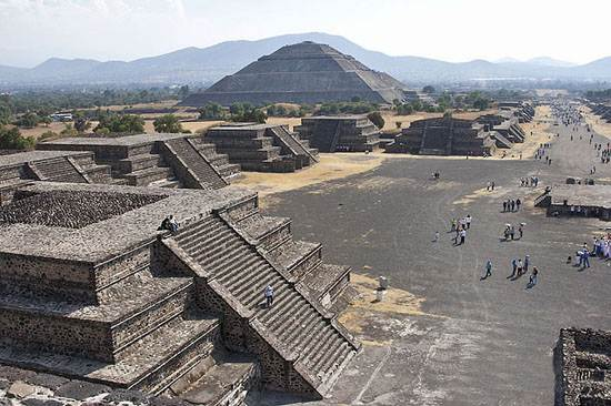 teotihuacan-pyramid-place-of-the-gods-2