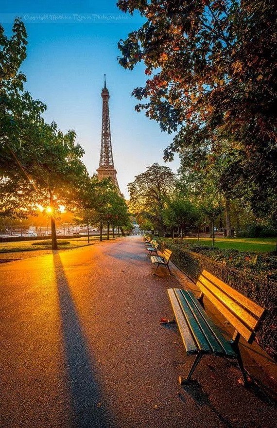 Traveling to Paris The Home of Fashion France_10