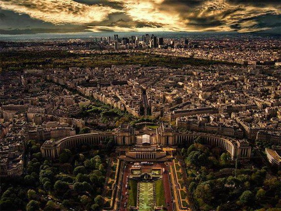 Traveling to Paris  The Home of Fashion  France_13