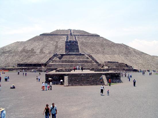 pyramid-of-the-sun-up-close