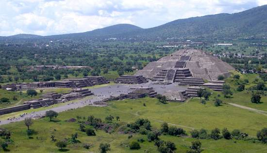 teotihuacan-from-the-pyramid-of-the-sun_0n
