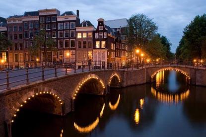 800px-KeizersgrachtReguliersgrachtAmsterdam - Copy