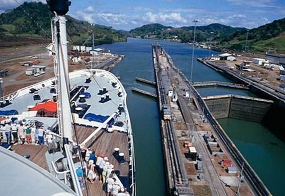 7-wonders-of-the-world-panama-canal_14