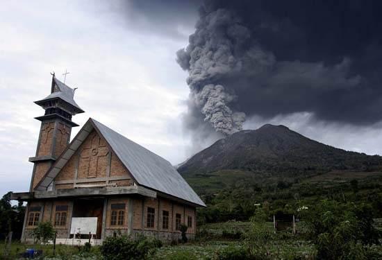 indonesia-krakatoa-7