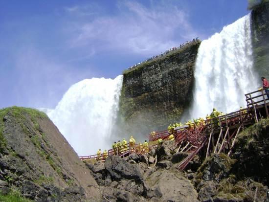niagara-falls-a-natural-wonder-10
