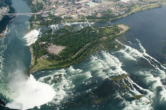 niagara-falls-a-natural-wonder-7