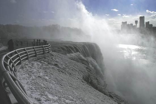 niagara-falls-a-natural-wonder-8