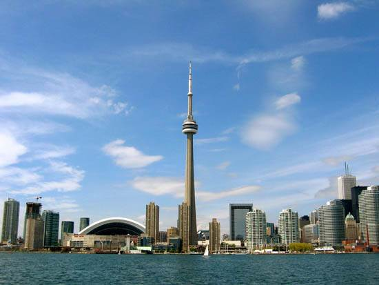toronto-canada-the-cn-tower-12