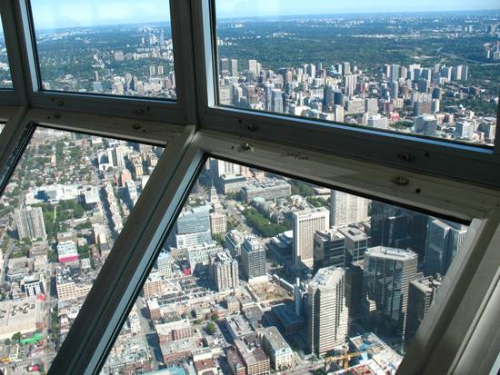 toronto-canada-the-cn-tower-6