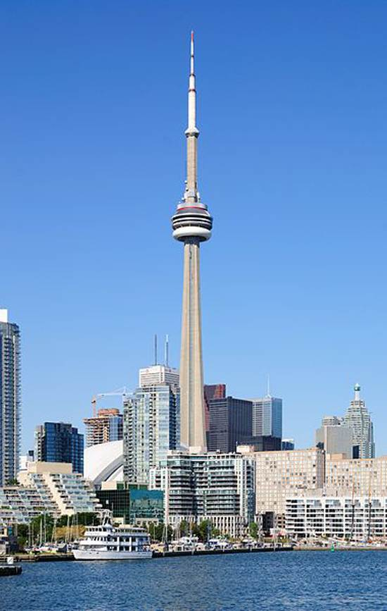 toronto-canada-the-cn-tower-8