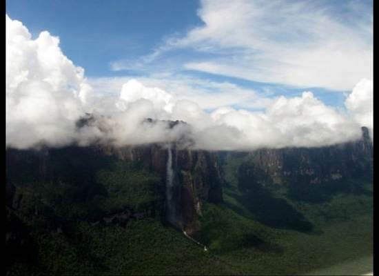 venezuela-the-worlds-highest-waterfall-1