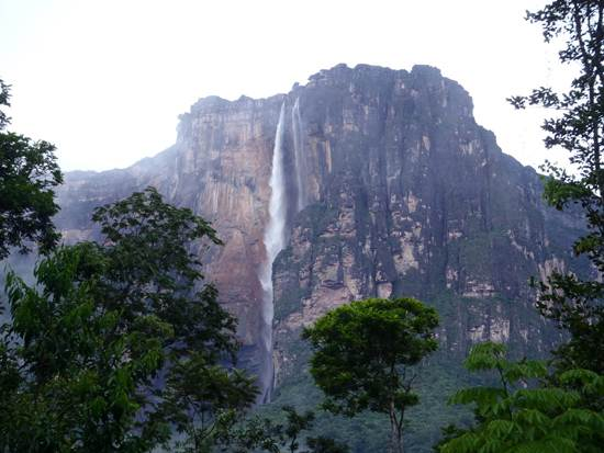 venezuela-the-worlds-highest-waterfall-3