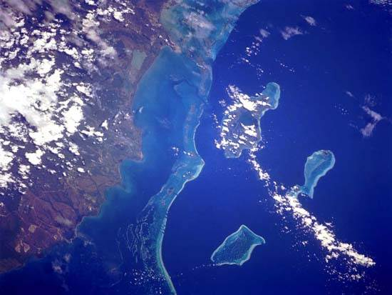 west-indies-belize-barrier-reef-the-great-blue-hole-6
