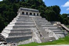 800px-Palenque_temple_1 - Copy