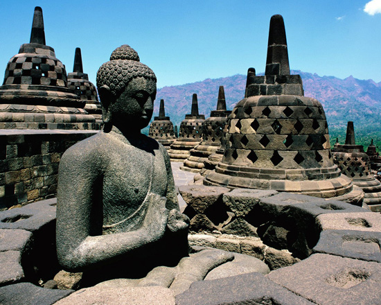 History-of-Borobudur-the-Biggest-Buddhist-Temple-in-the-9th-Century