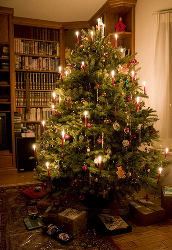 Holiday Decorating Ideas with Christmas Tree Candles - family ...
