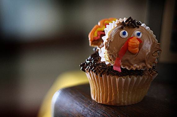 Easy Thanksgiving Cupcake Decorating Ideas (1)