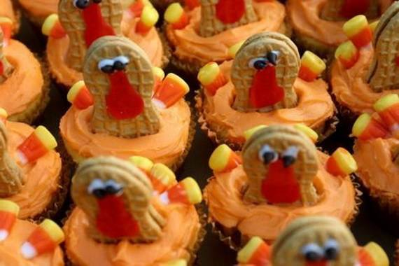 Ideas for Thanksgiving Holiday Cupcake Decorating (3)