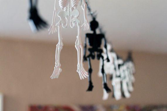 Skeletons-Garlands