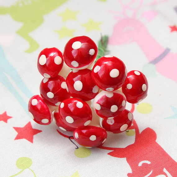 Cute and Quirky Homemade Christmas Ornaments for Holidays_09