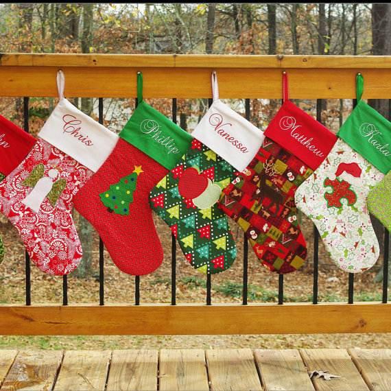 Elegant-Christmas-Stockings-Holiday-Crafts_09