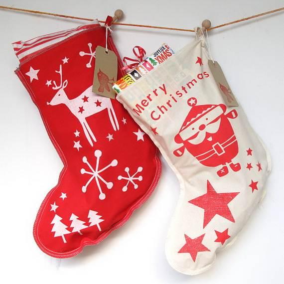 Elegant-Christmas-Stockings-Holiday-Crafts_21