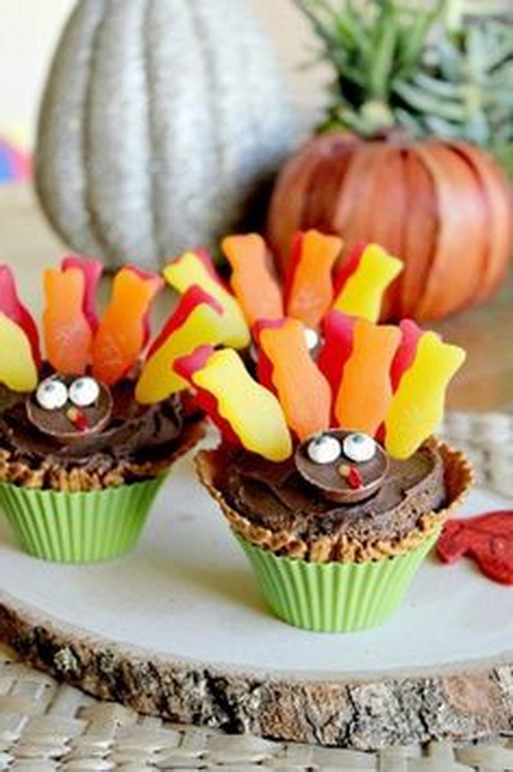Cupcake Decorating Ideas For Thanksgiving : Thanksgiving Cupcake Ideas For Holidays - family holiday ...