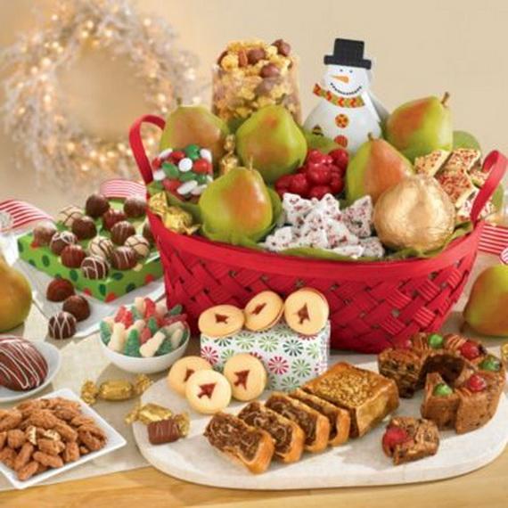 Traditional Christmas Gift Basket Idea_15