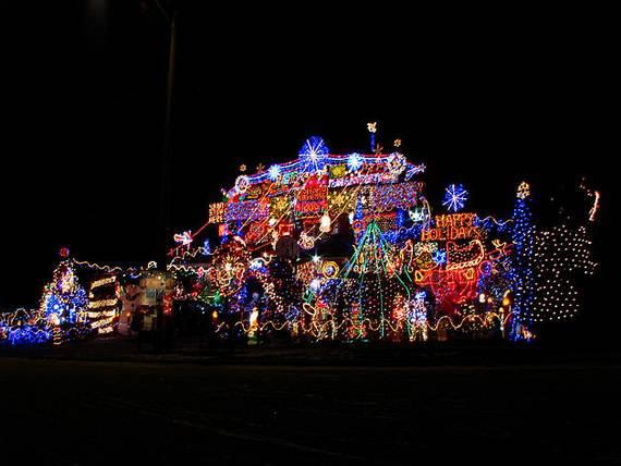 Fantastic-Christmas-Holiday-Lights-Display_04
