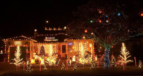 Fantastic-Christmas-Holiday-Lights-Display_05