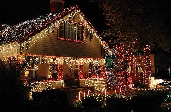 Fantastic christmas holiday lights display family for Foto di case americane