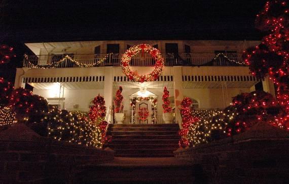 Fantastic-Christmas-Holiday-Lights-Display_24