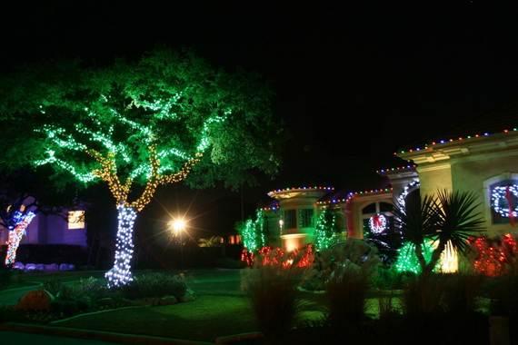 Fantastic-Christmas-Holiday-Lights-Display_26