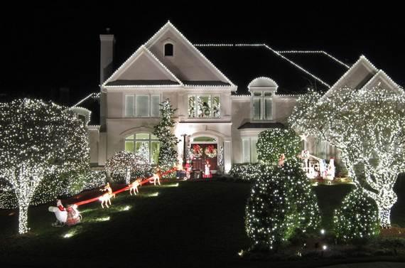 Fantastic-Christmas-Holiday-Lights-Display_55