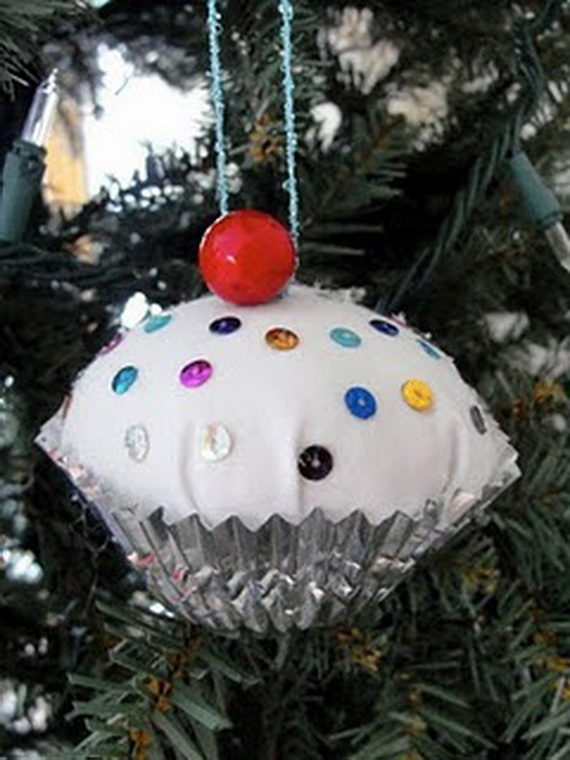 Gorgeous Christmas Cupcake Ornaments Decorations for Holidays _04