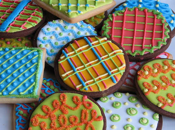 Iced, Decorated, and Shaped Cookies for Holidays_36