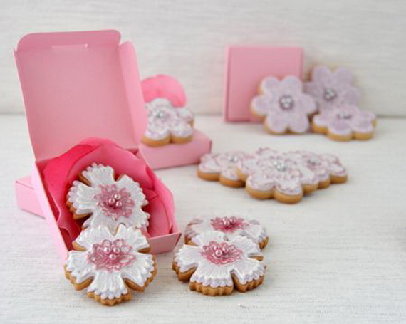 Iced, Decorated, and Shaped Cookies for Holidays_47