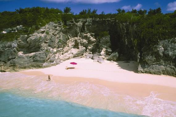 Pink-Sand-Beach-in-Harbour-Island-Bahamas-_14