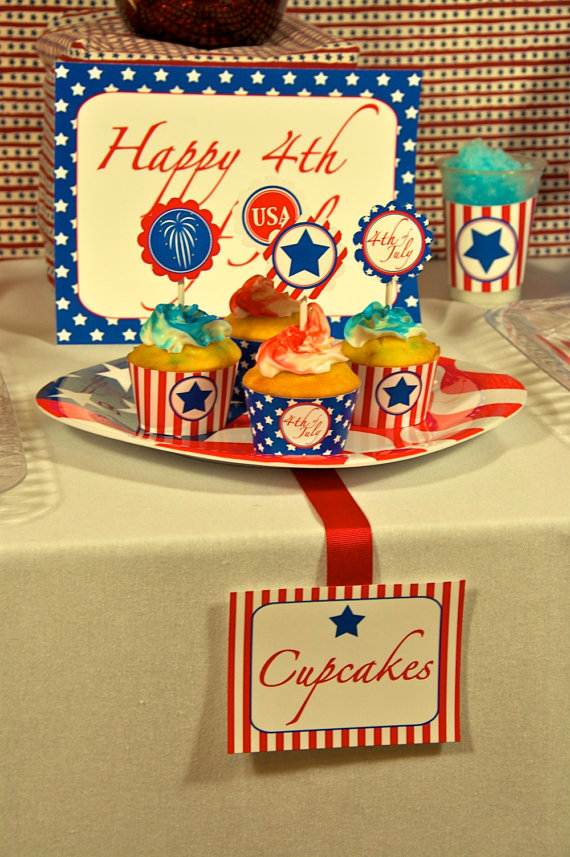 4th-of-July-Cupcakes-Decorating-Ideas-and-Cupcake-Wrappers_40