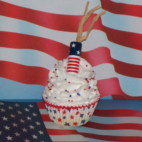 Independence day Cupcakes Decorating Ideas (17)