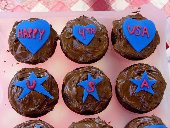 Independence day Cupcakes Decorating Ideas (9)