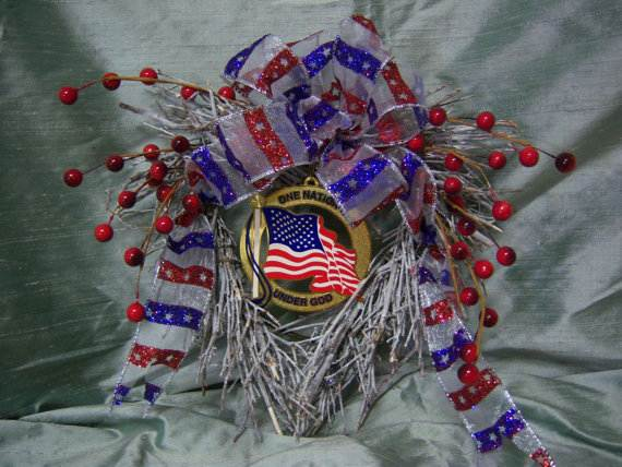 Cool-wreaths-for-Memorial-or-Labor-Day-_38