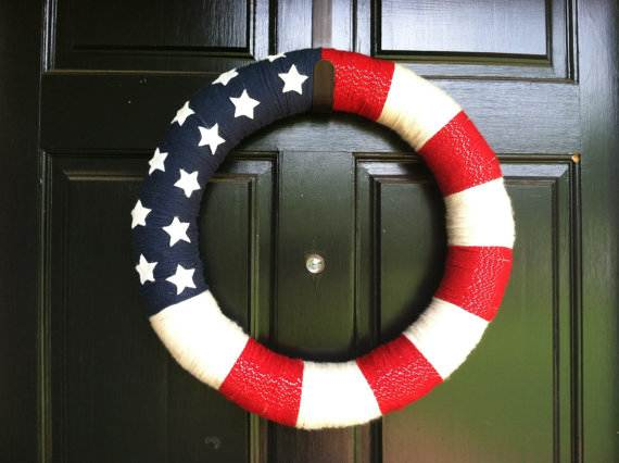 Decorative_-Labor-_Day_-Wreaths_-Entry-Door_-Ideas-__05