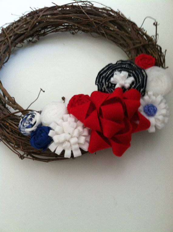 Decorative_-Labor-_Day_-Wreaths_-Entry-Door_-Ideas-__20
